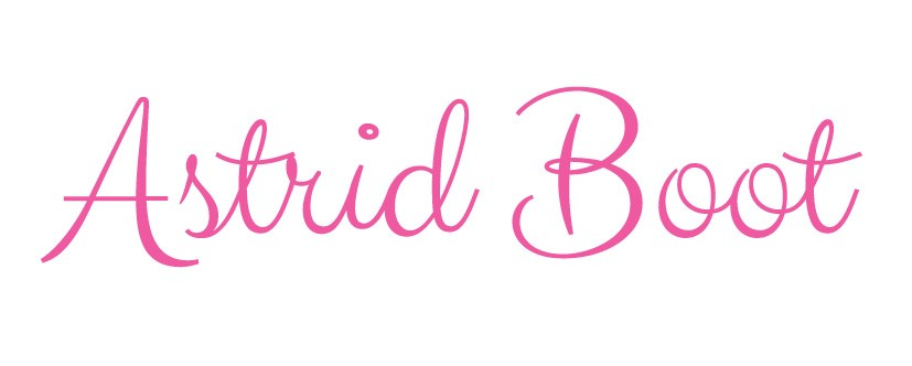 Logo first and last name in pink